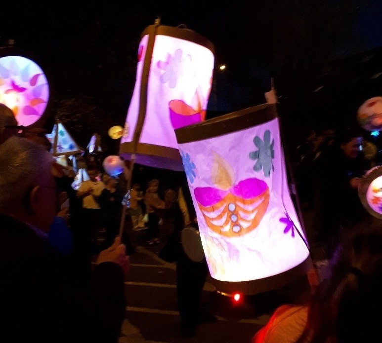 Community lights up Patchway for Diwali!