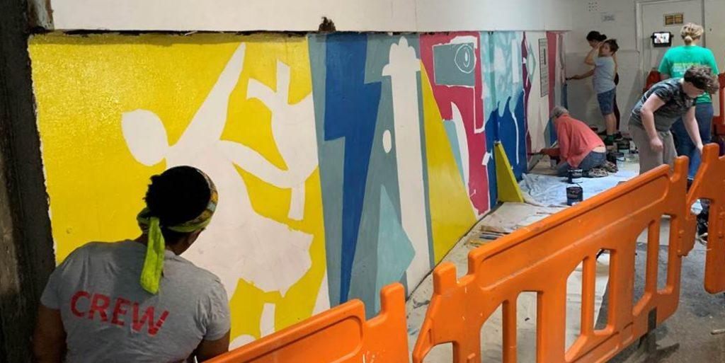 Art mural Yellow background